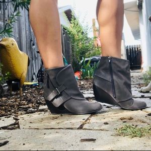 Blowfish 7M Gray Faux Suede Wedge Heel Ankle Booty